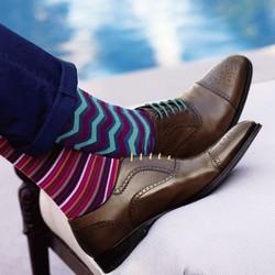 闷骚又时髦!搭正装鞋也毫不费力的花袜子们